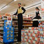Evento Conad, trampolieri in azione in mezzo al supermercato