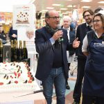 Evento Conad - il titolare del supermercato fa un breve discorso ai presenti