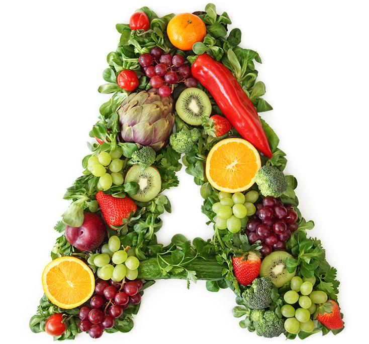 Una A composta da mix di frutta e verdura